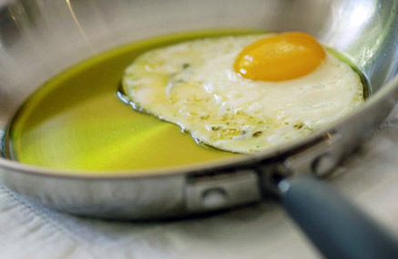 egg_in_olive_oil