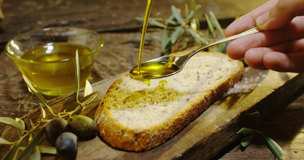 olive oil toast-stock