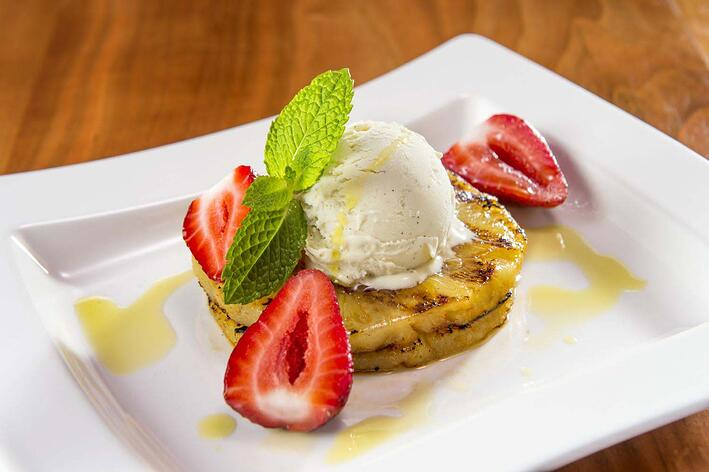 OO_Ice_Cream_w_Grilled_Pineapple