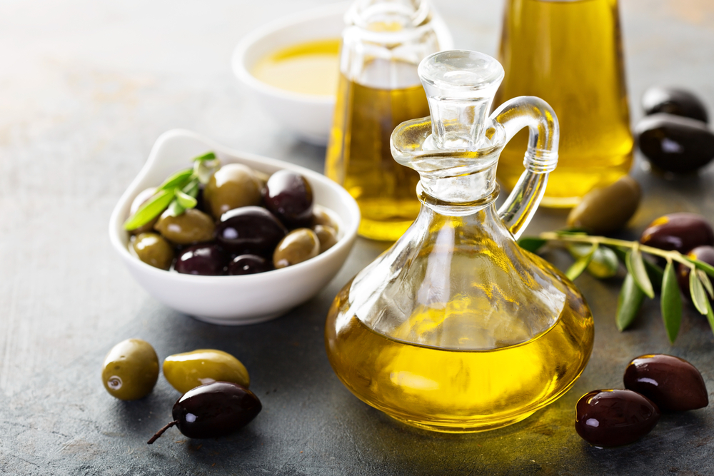 olive oil and olives_stock